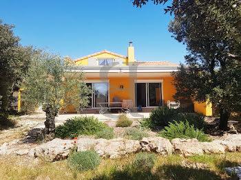 villa à Saint-Restitut (26)