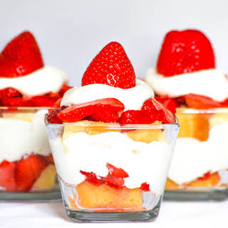 Strawberry Shortcake Parfait #SundaySupper.