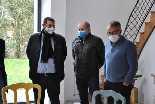 La Communauté de Communes et le Conseil Départemental à la découverte du Gîte Amélie à Housseras