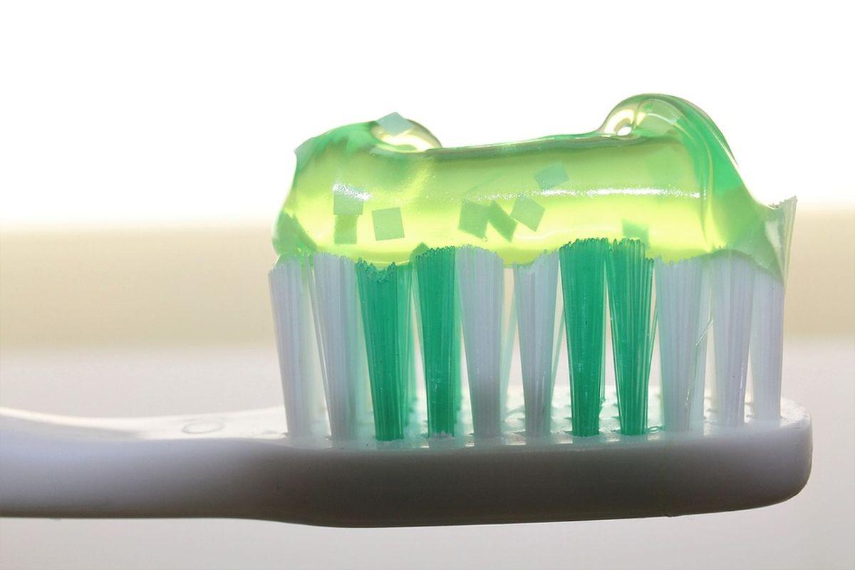 how to keep your teeth healthy