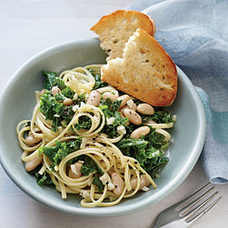 Linguine with Garlicky Kale and White Beans