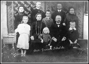 Photo: Zdjęcie rudnickiej rodziny, pochodzi z przełomu XIX i XX wieku (z anonimowej kolekcji)