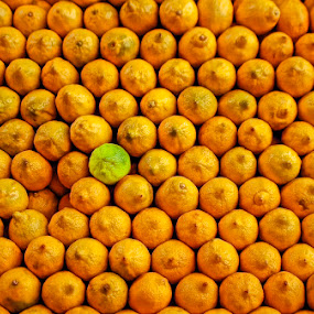 99% Uniformity by Thilo Bayer - Food & Drink Fruits & Vegetables ( pwcfruit )