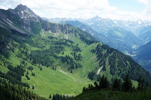 Blick zum Rauhhorn und Hochvogel Allgäu