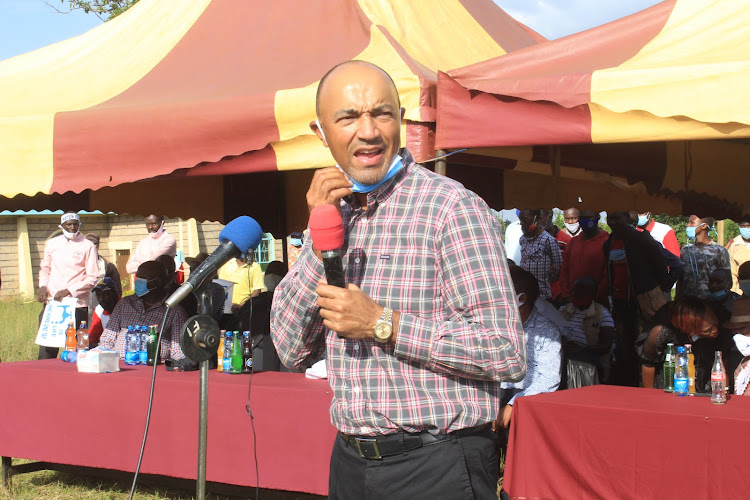 Former presidential candidate Peter Kenneth at Mbae Primary School in Gatanga on Saturday