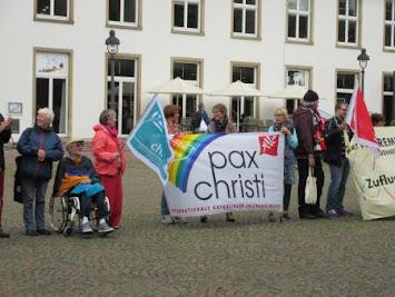 Menschenkette pc.jpg