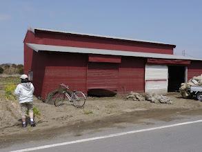 Photo: ウォーター・マークが残る建物。