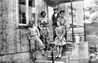 Photo: Kullen 11-1 1950 familjen Hedin. Fr v : Bertil, John, Rut, Erik, Olle, Maj Britt Hedin