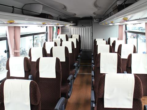 西鉄高速バス「ゆふいん号」 8529 車内