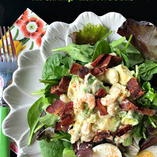 Green Salad with Shrimp and Avocado.