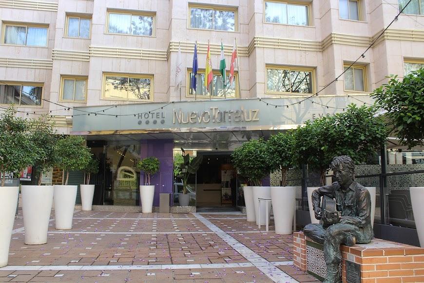 Reabierto el Nuevo Hotel Torreluz.