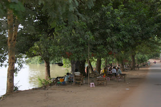 Photo: Year 2 Day 56 - On the Banks of the Ayeyarwady River in Bagan