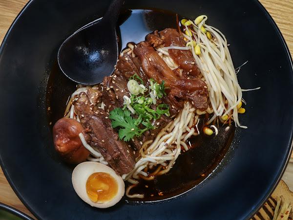 8小時熬煮的牛肉麵湯頭,吃到用心的溫度-溫溫牛肉麵餐館