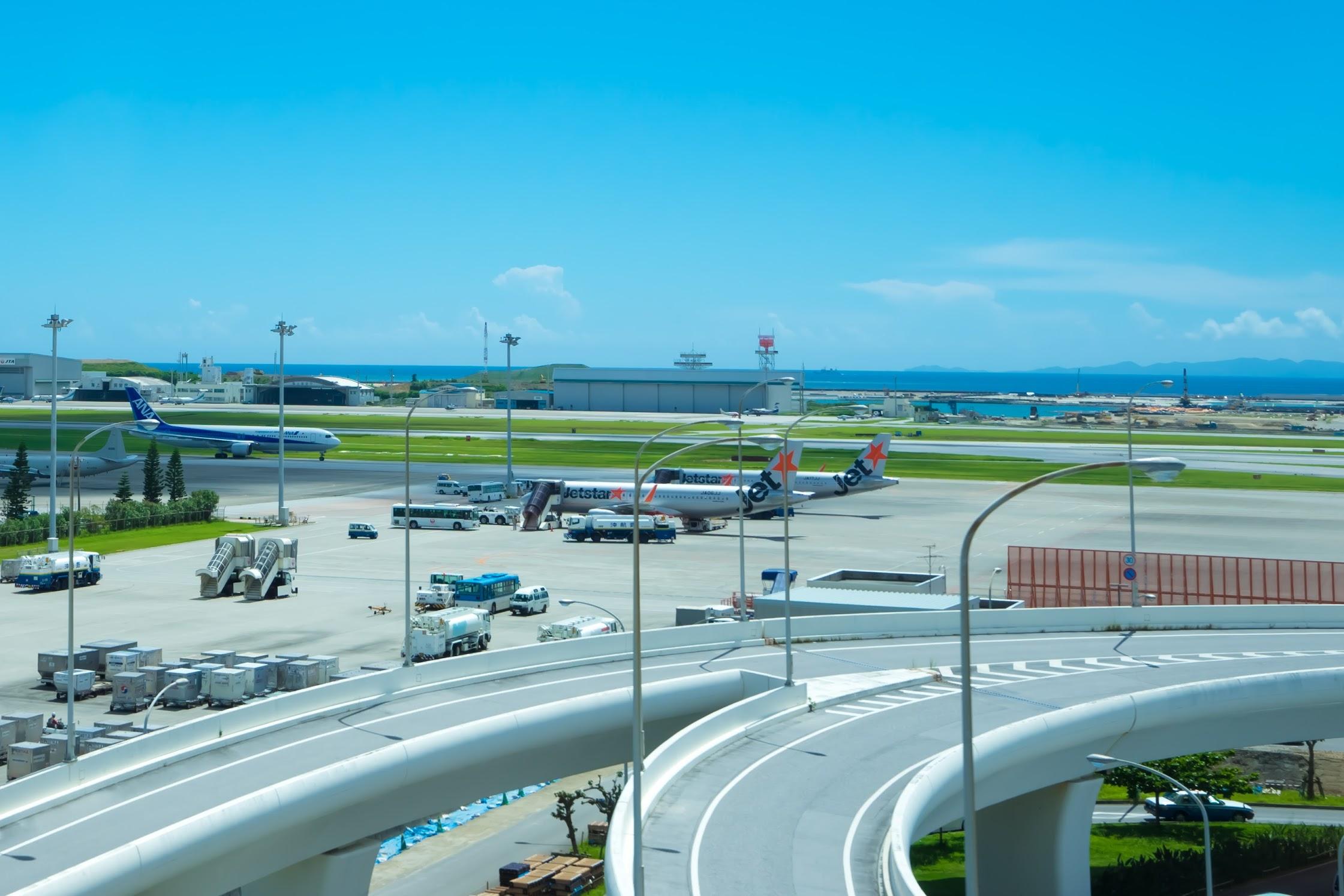 Naha Airport Monorail4