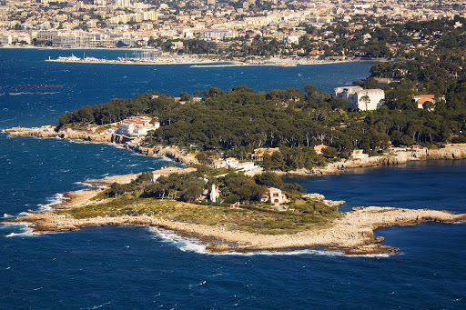 France-Cap-dAntibe.jpg - Cap d'Antibes is a four-mile-long peninsula south of Antibes, France.