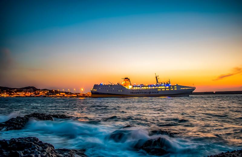 Tramonto estivo sull'isola di Pantelleria di Emanuele Garsia