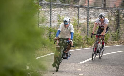 Cyclist digs deep for Navajos