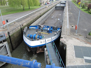 Photo: Day 21 - Large Barge in Lock (With Little Room to Spare!!)
