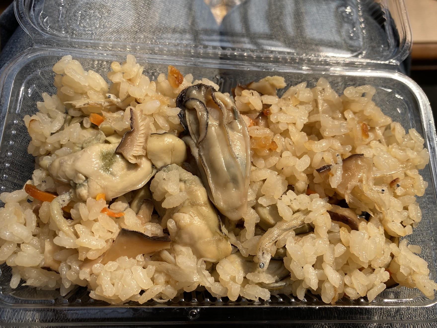 牡蠣ご飯はめっちゃ美味しいのでおすすめ