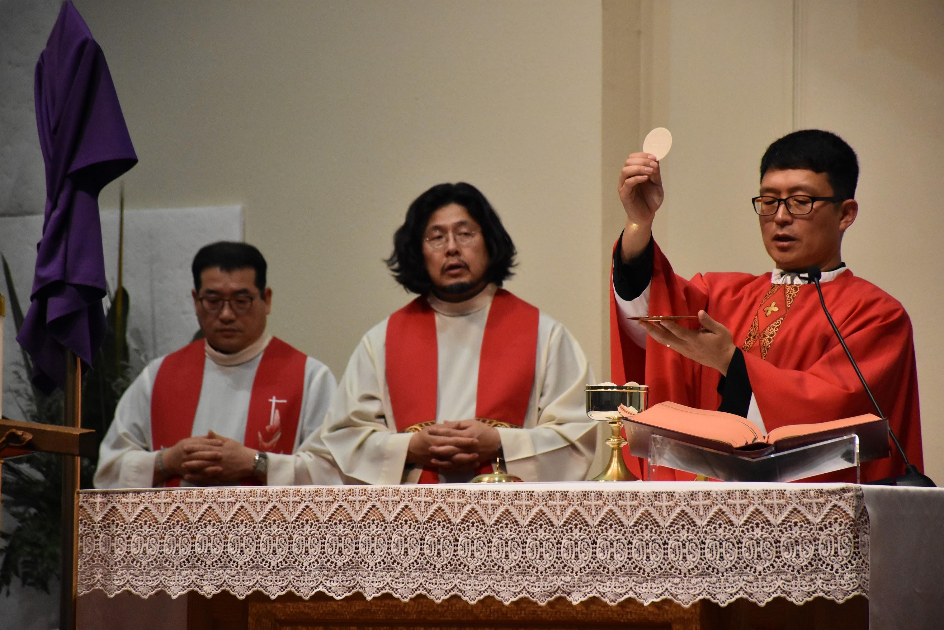 2018년 파스카 성삼일 주님수난 예식 - 십자가 경배