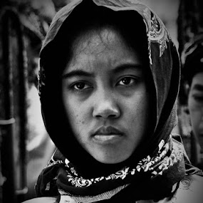 Indonesian by Harri Pratama - People Street & Candids