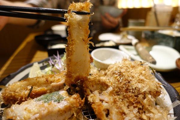 赤神日式豬排(公館店)‧白Q彈牙麻糬和酥脆多汁豬排好搭!!!