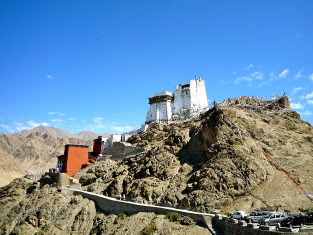 unique_places_in_india_Dechen_Namgyal_Monastery