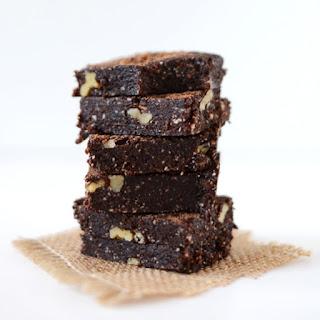 5 Minute Espresso Walnut Brownies {No Bake}