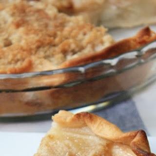 Amish Pear Crumb Pie