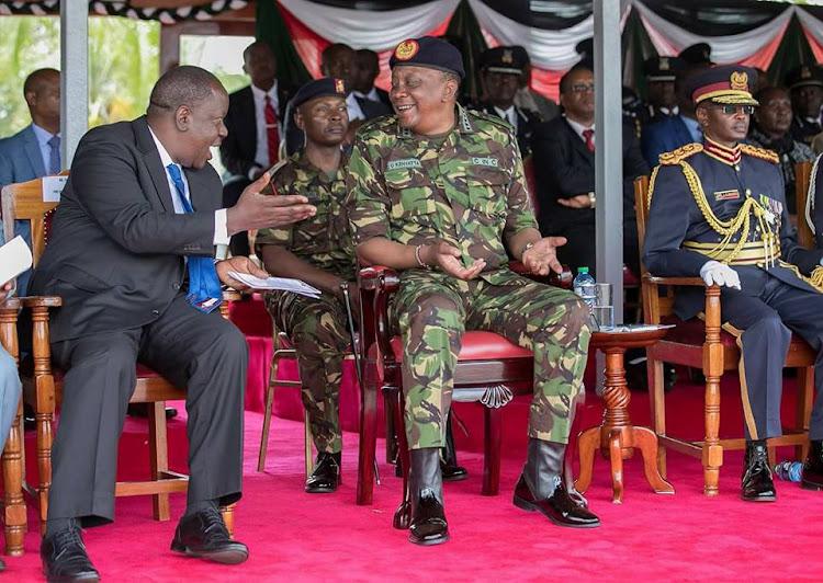 ToCFCx40eA0hOPmSPZvHvWyu0ZNDsAqLy6HSKYpMbLa5ZL8cA RySmb1NM RyMCLq8btVeTmiIAfnw5YupON8ISb6yDm=s750 - Presidential Fashion! Uhuru Kenyatta has a taste for the finest things