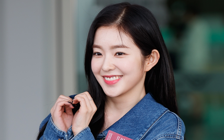 Irene Red Velvet shows off watching football, crowded with boyfriend questions