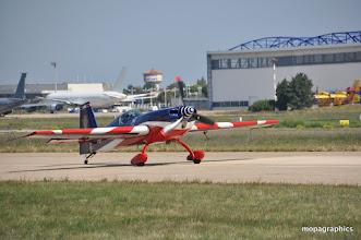 Photo: suivi de l'Extra 330 SC de l'EVAA