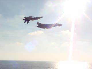 Tomcat & Hornet do a great flyby
