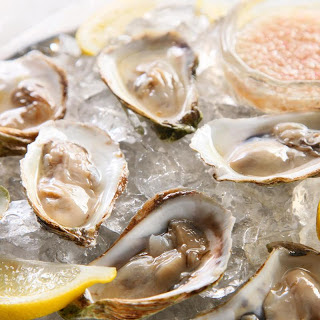 Oysters with Prosecco Mignonette