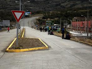 Photo: Ankunft in Villa Cerro Castillo - wie überall an der Carretera Austral warten Millionen Backpacker am Straßenrand