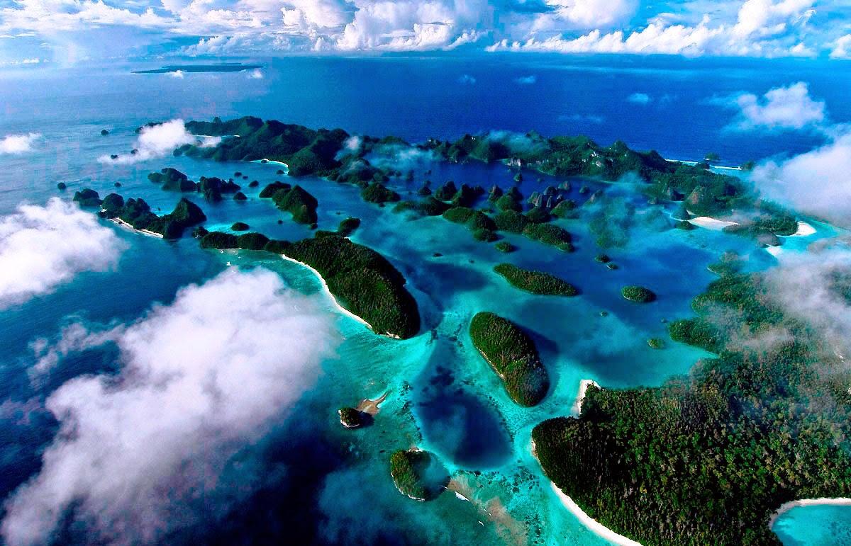 Индонезия – это около 17 500 островов