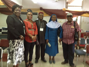 Photo: ISA President poses with Participants
