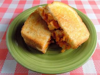 Buffalo Chicken Grilled Onions And Cheese Sandwich Recipe