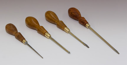 "Photo: Michael BlakeOval Tool Handles - Carving tool, Dogwood - Pair of 4"" Screwdrivers, Narra - 6"" Screwdriver, Beeswing Narra. [08.08]"