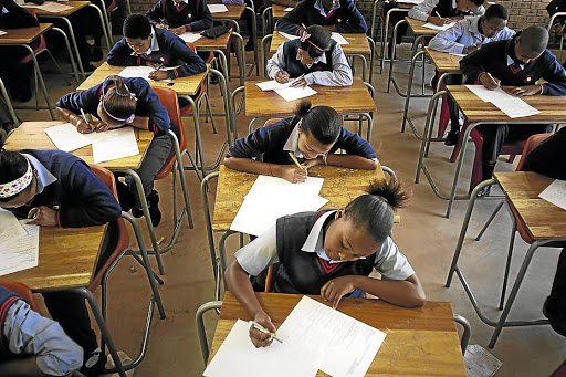 poor matric results Members were concerned that there were 200 000 learners who did not have a  place in higher education due to their poor matric results.