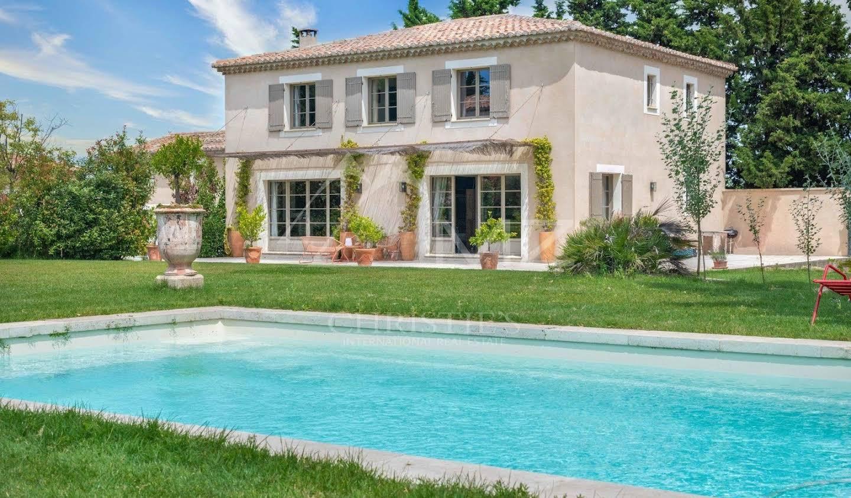 Propriété avec piscine Eyragues