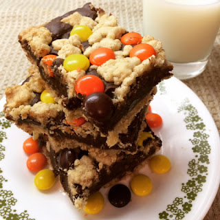 Reese's Pieces Chocolate Oat Bars