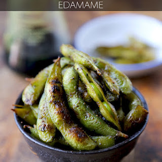 HEALTHY SNACK: SOY AND SESAME EDAMAME.