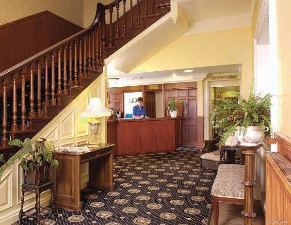 Best Western Le Strange Arms Hotel