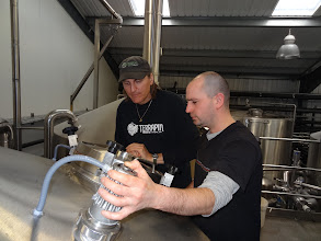 Photo: Spike Buckowski from Terrapin (in Terrapin shirt) and Rob Lovatt from Thornbridge (to the right of Spike) mash in for their collaboration brew.