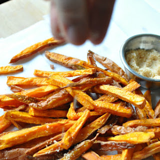 Sriracha Sweet Potato Fries – Paleo, Gluten Free