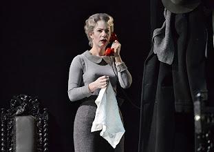 Photo: Wien/ Theater in der Josefstadt: DIE MAUSEFALLE von Agatha Christie, Inszenierung Folke Braband, Premiere 19.12.2013. Aleksandra Krismer. Foto: Barbara Zeininger