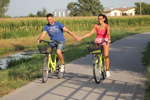 passeggiando in bicicletta di cascira
