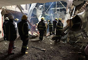 Joburg emergency services personnel at work at the site of the roof collapse at the Charlotte Maxeke Johannesburg Academic Hospital on 2 march 2017. File photo.