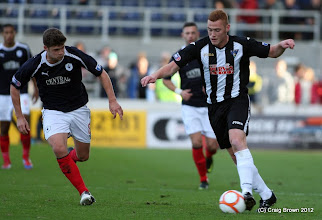 Photo: Falkirk v Dunfermline Athletic Irn Bru First Division The Falkirk Stadium 6 October 2012Ryan Thomson in action(c) Craig Brown | StockPix.eu